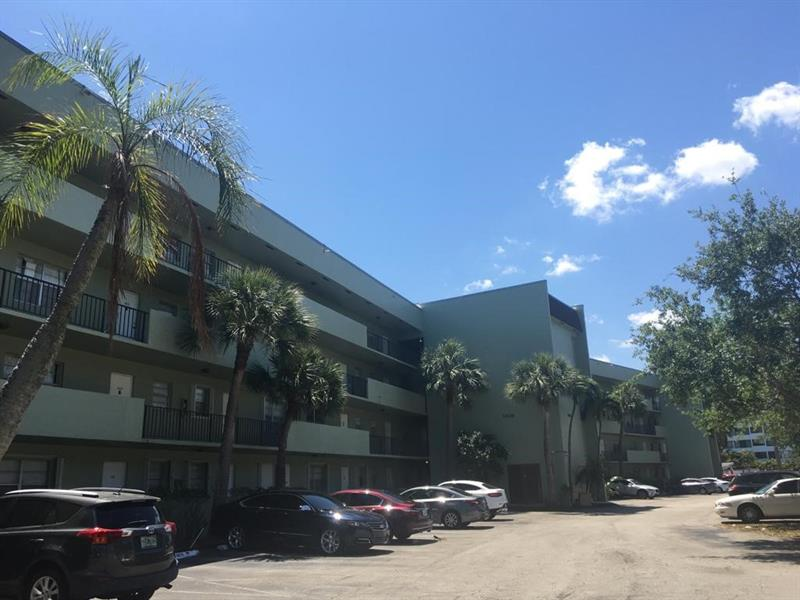 1638 Embassy Dr #209 - 33401 - FL - West Palm Beach