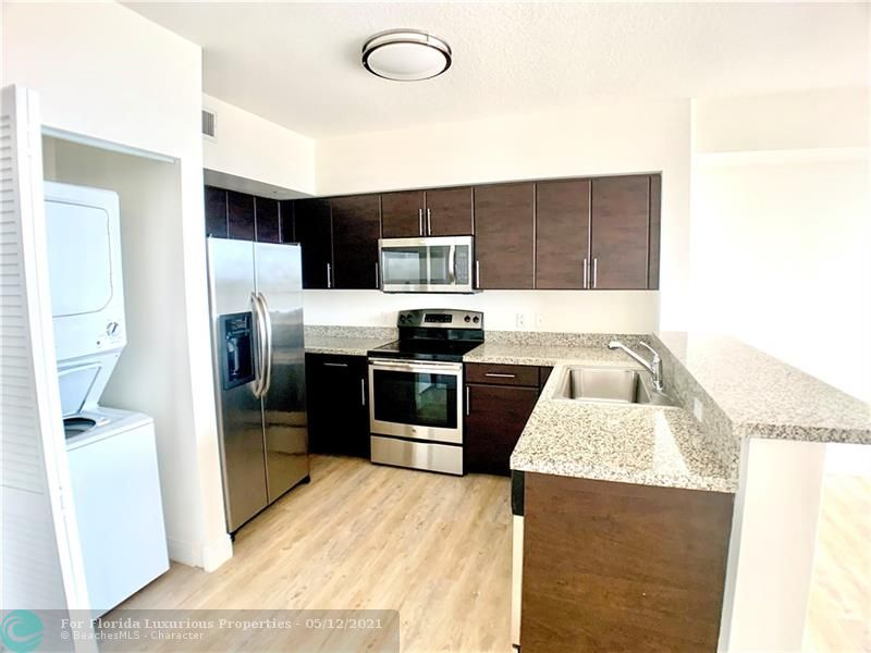 987 SW 37 Ave #507