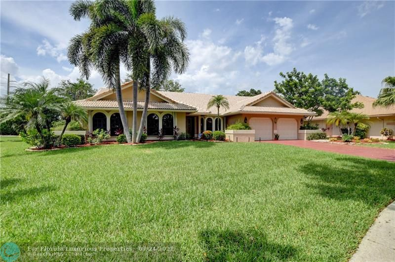 2871 NW 49th St