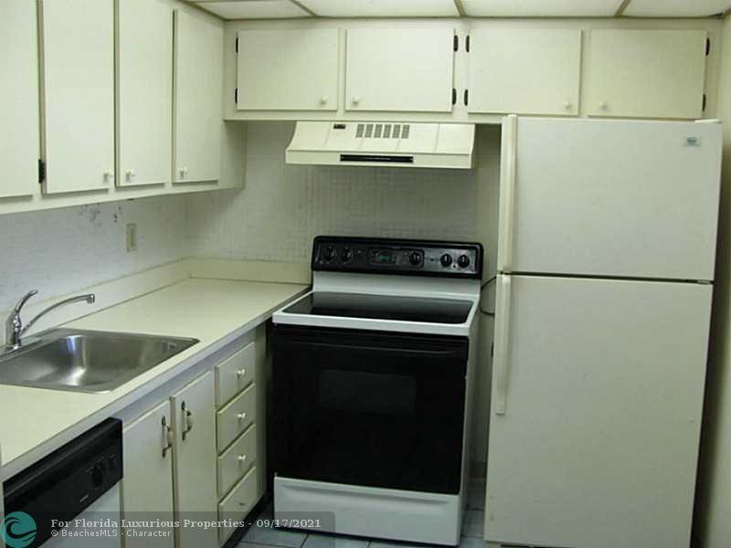 2000 Springdale Blvd #F311 - 3