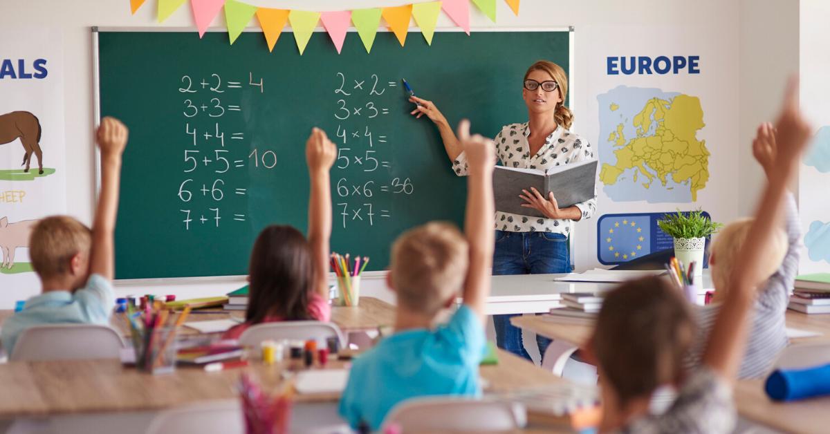 How to Keep Incredible Teachers (5 Tips)