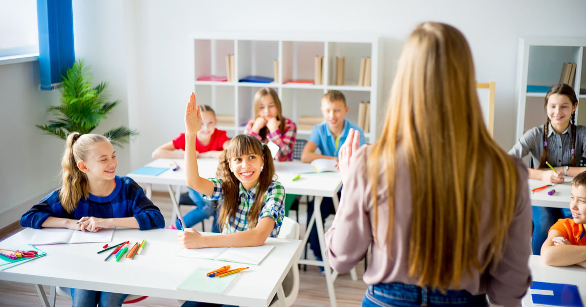 How to Build Better Relationships with Students (4 Tips)