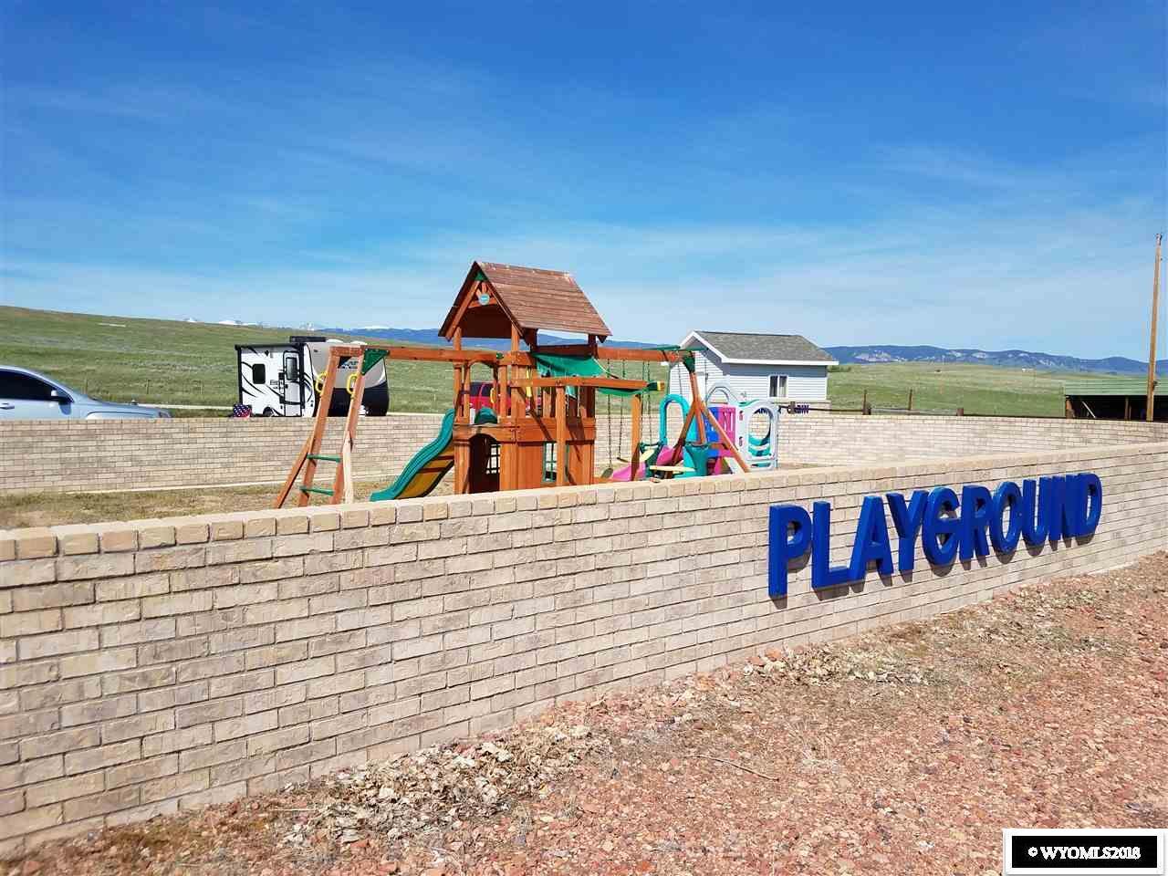 Lake Stop Resort - Children\'s Playground and Picni