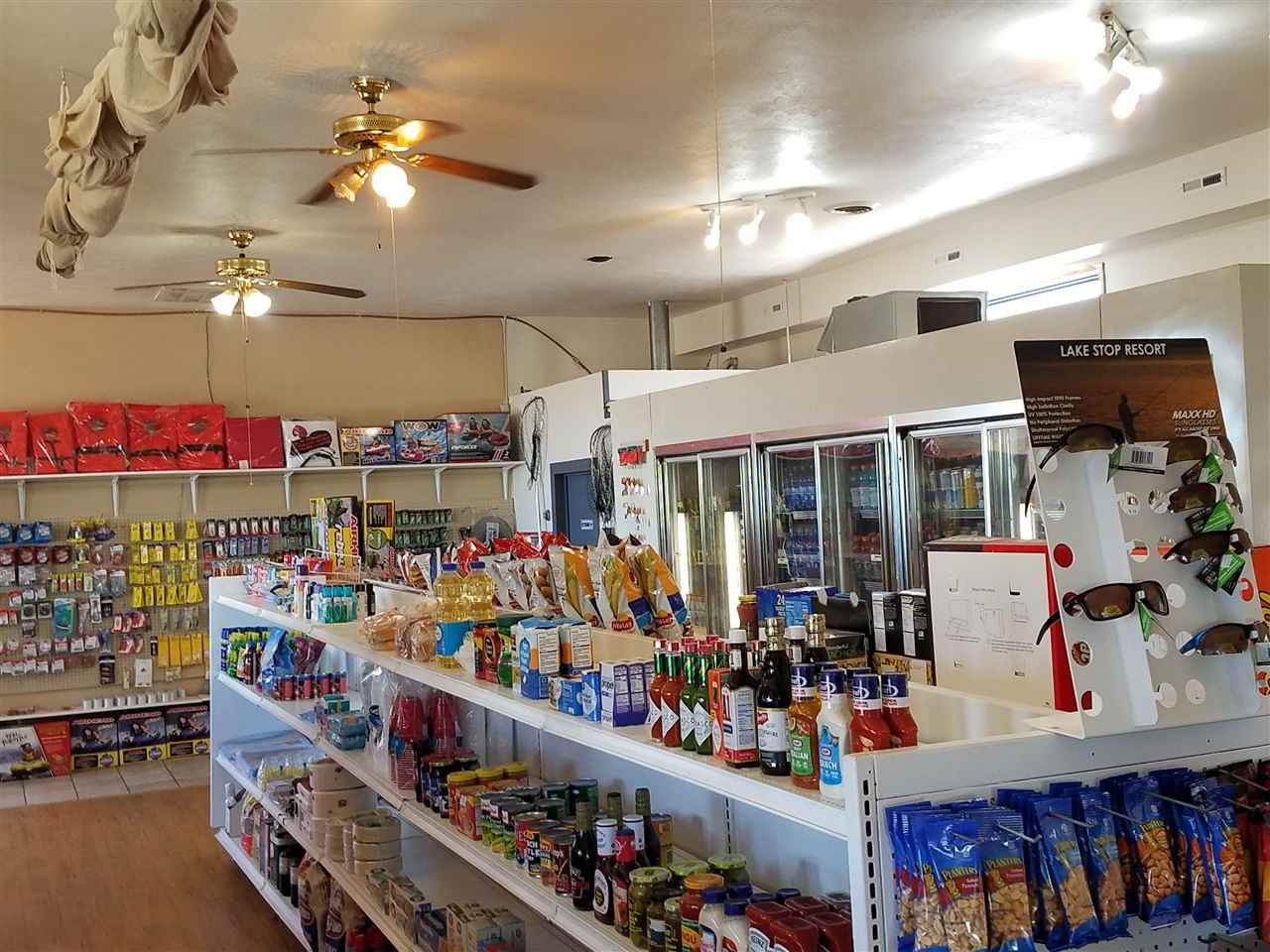 C-Store: Beverages/Alcohol, Snacks, Fishing Licens