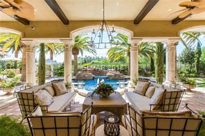 Multiple courtyards, patios and cabanas with miste