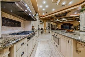 8101 OBANNON  Kitchen