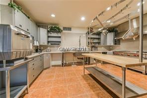 2210 Cimarron Chef\'s kitchen