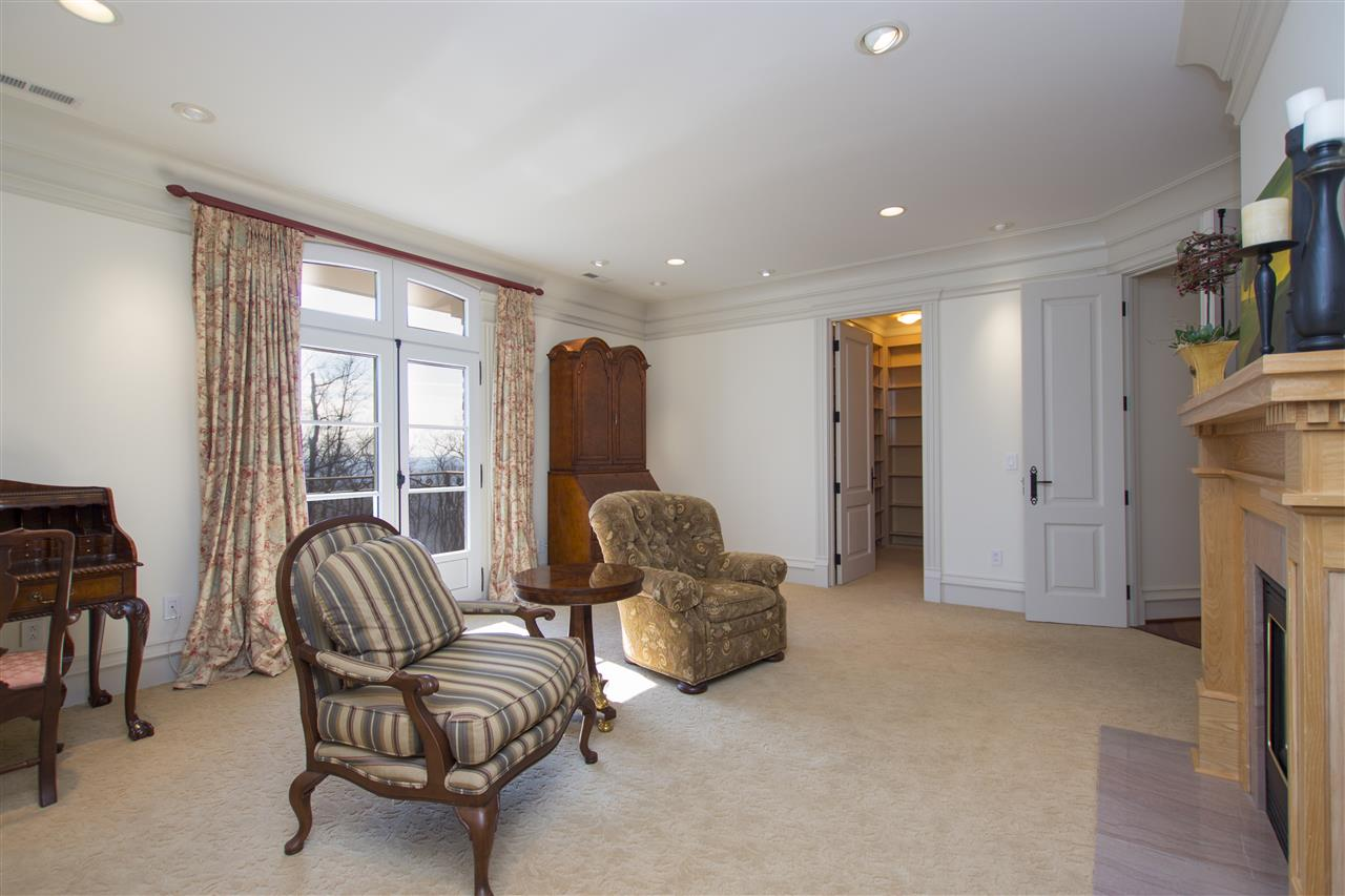 ADJACENT TO THE MASTER BEDROOM, THERE IS A SITTING