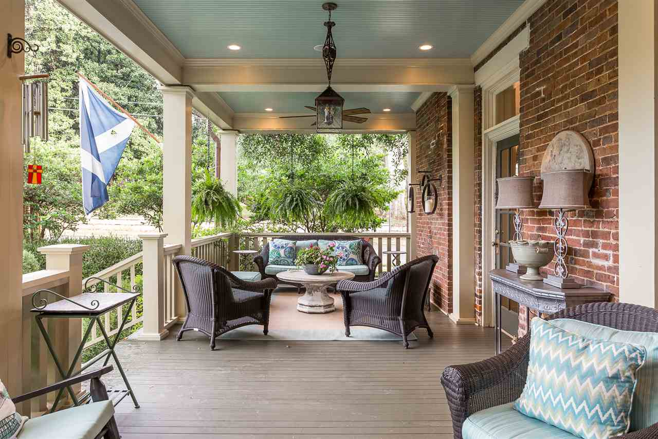 This area is accessible from the Screened porch or