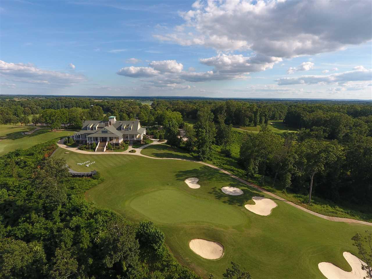 2 Robert Trent Jones Golf Courses within 10 minute