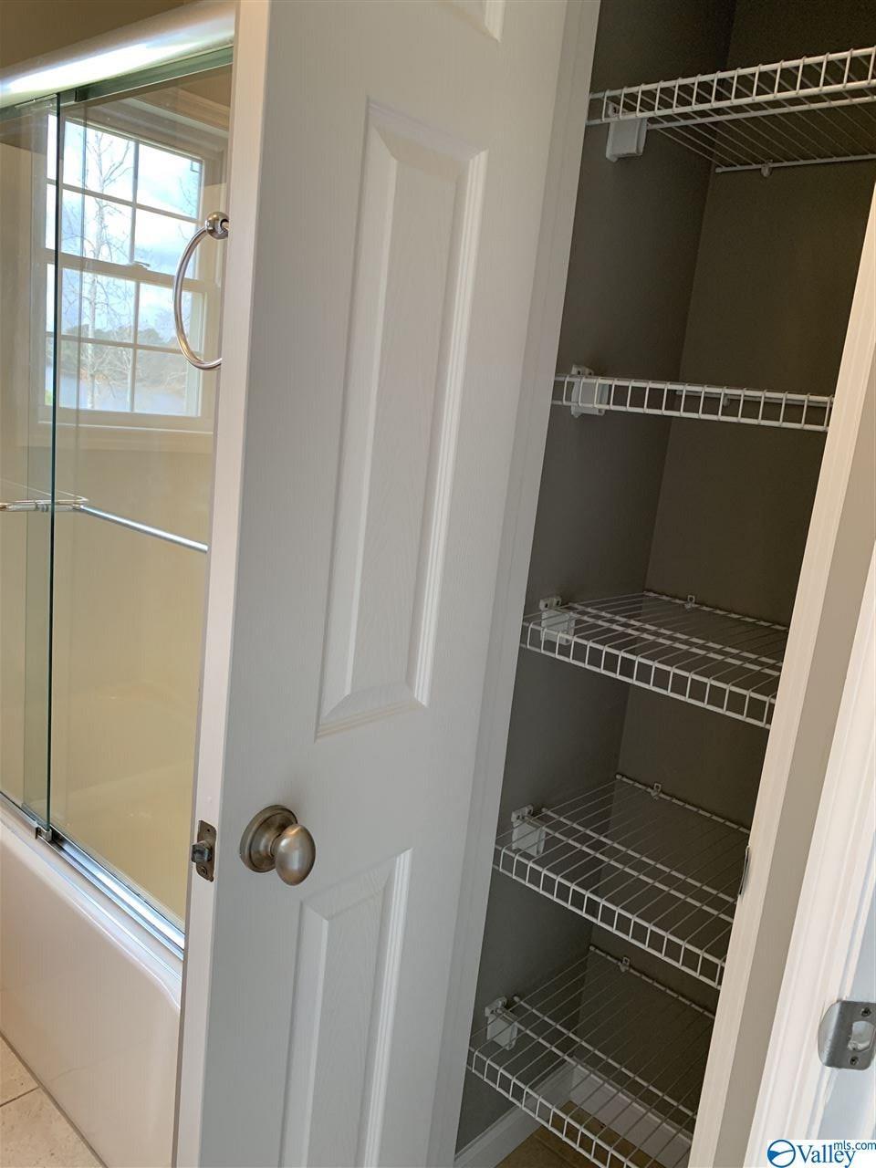 2nd bathroom, linen closet.