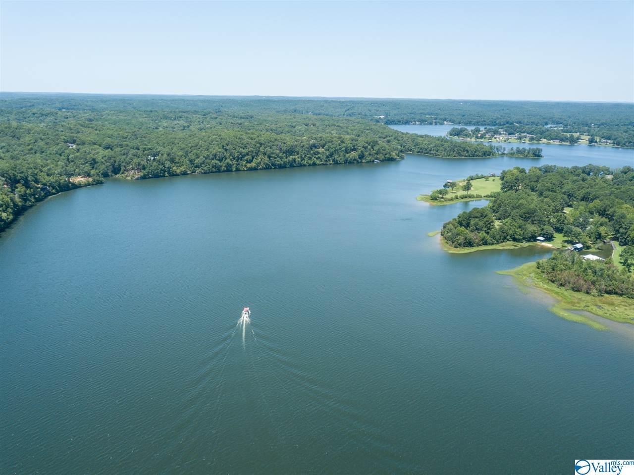 https://s3-us-west-2.amazonaws.com/cevado.idx1.ssl/naris/1124065/15139-waters-edge-drive-northport-35475-96fce1da_48.jpg