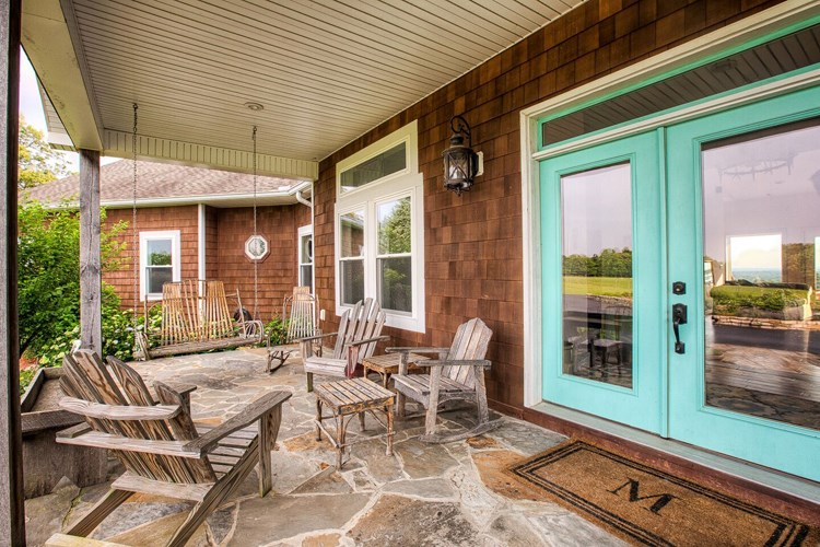 front porch / entry