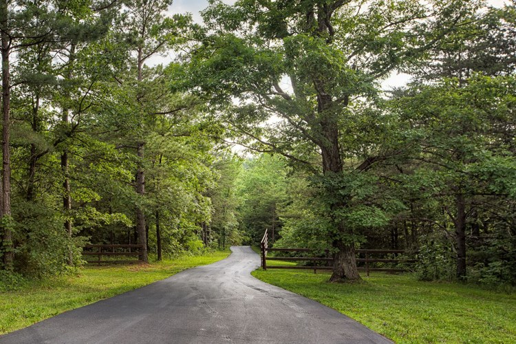1/2 mile paved private drive