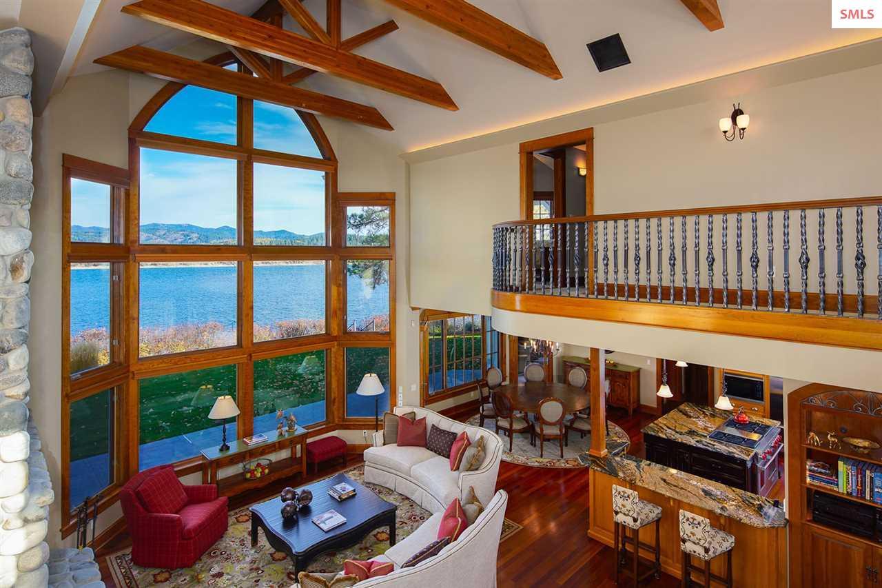 Great room features 25 foot open beam ceiling, Bra