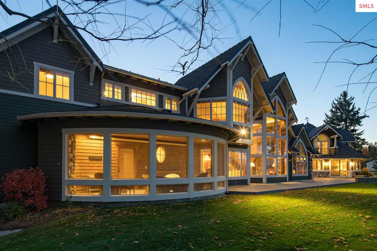 All season screened porch with views of the river