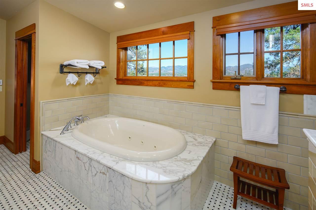 Italian marble cast iron tub