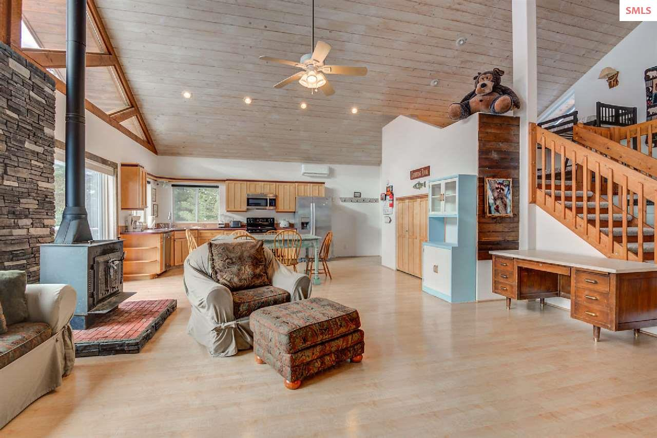 Large pantry area in kitchen is a great use of spa
