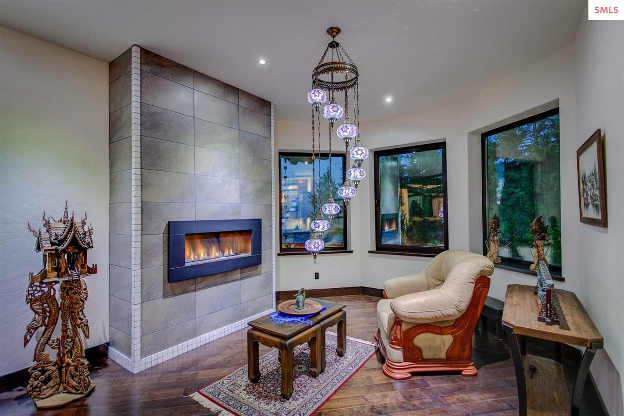 Breakfast Nook with Custom Gas Fireplace and Tile