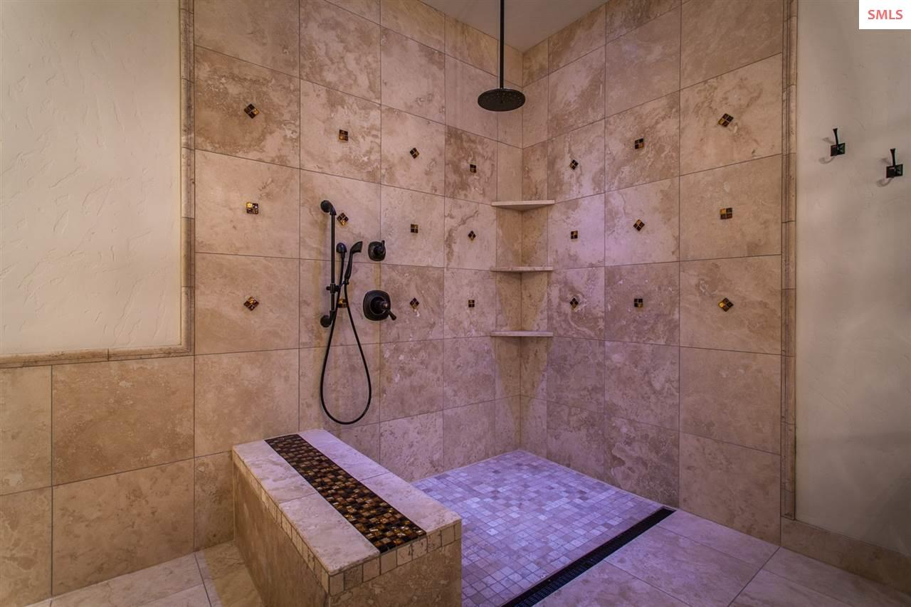 European Master Shower with half-wall and Traverti