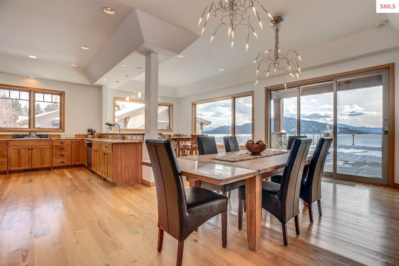 Offers great flow and takes advantage of the views