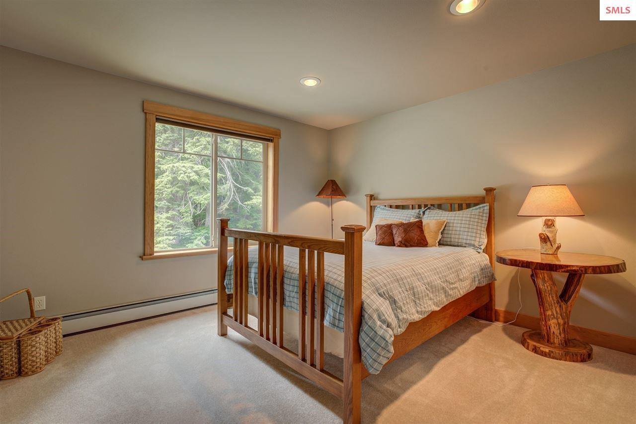 Quiet, Comfortable Guest Room