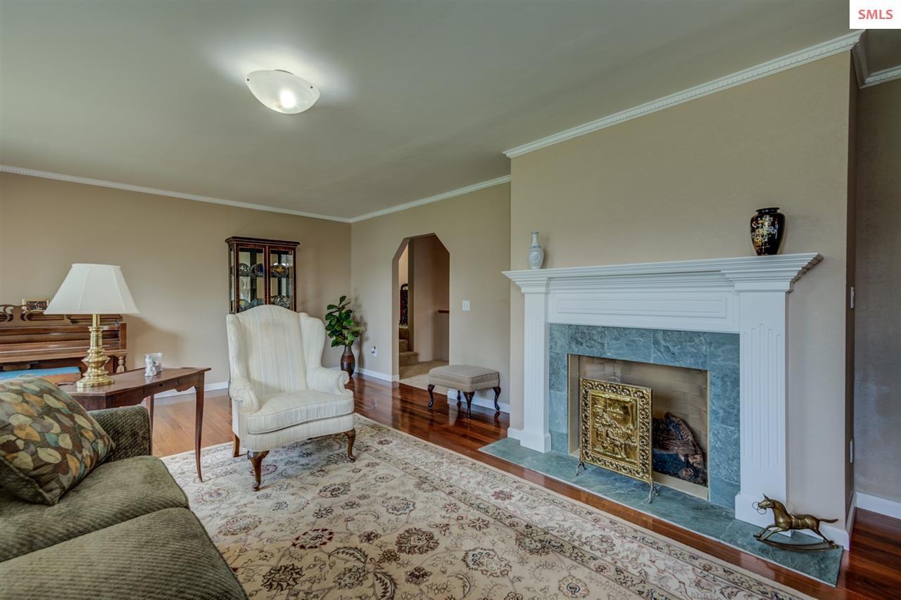 23 x 16 wood floor