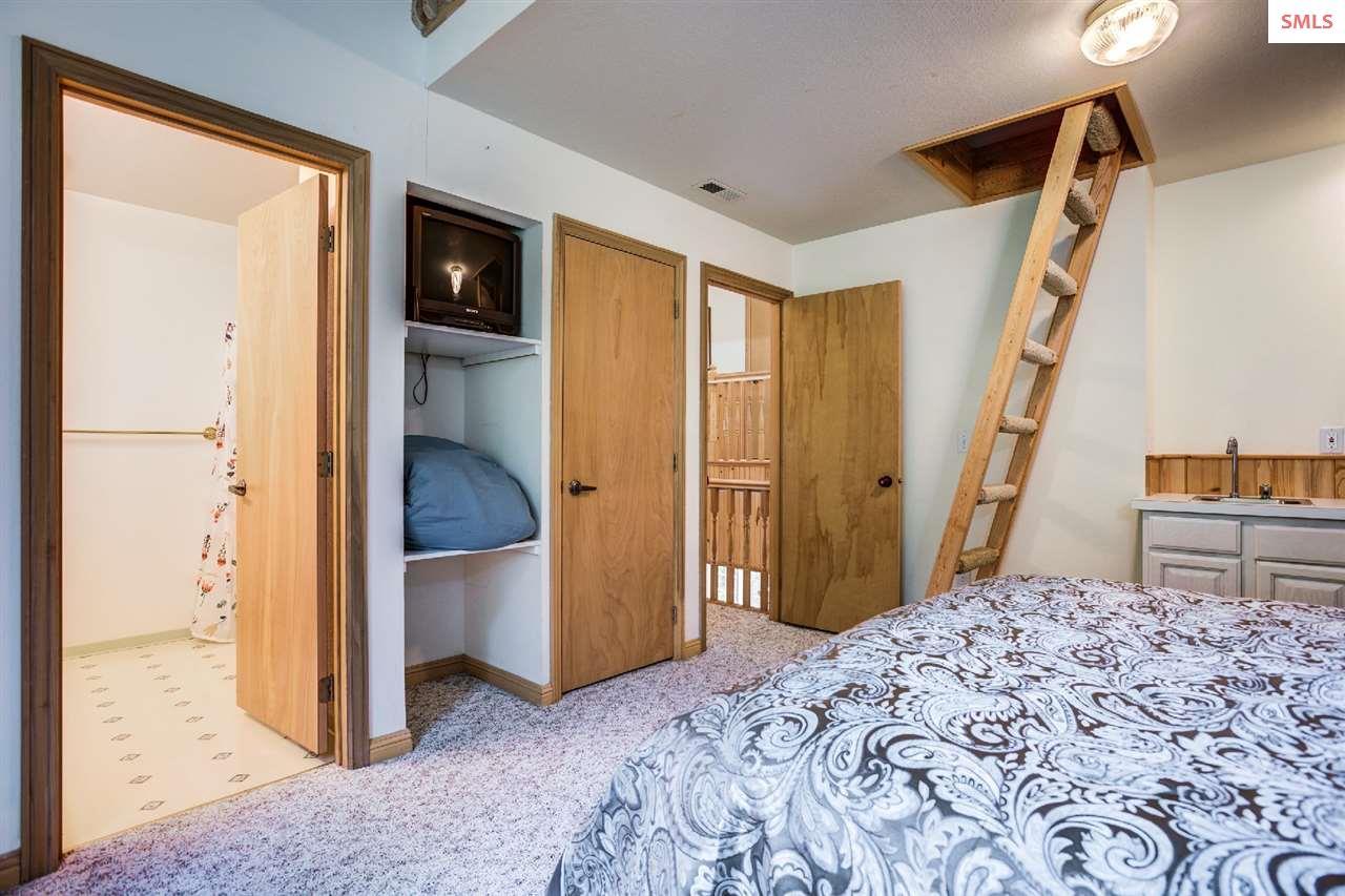 Bathroom, loft, closet and bar