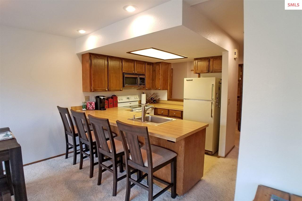 Breakfast bar and open concept kitchen