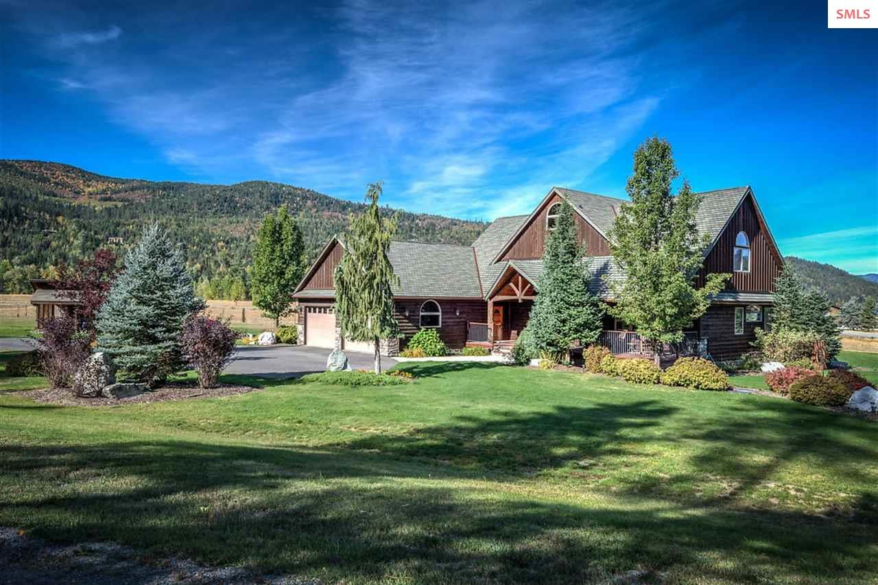 Beautiful 1 Acre landscaped lot. Pend Oreille Rive