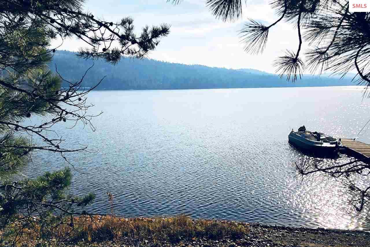 Enjoy private lake access.