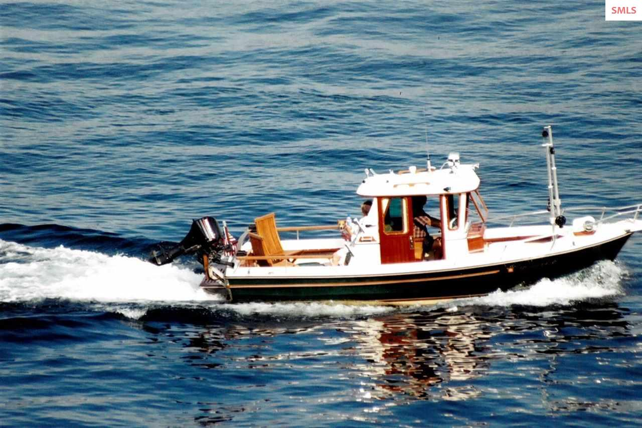 Taxi boat over to the CdA Resort or Tony\'s on the
