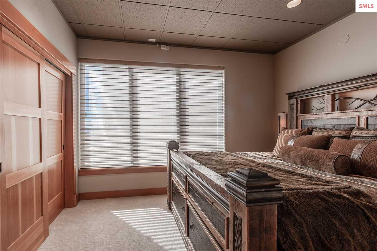 Full master Suite with on suite bathroom