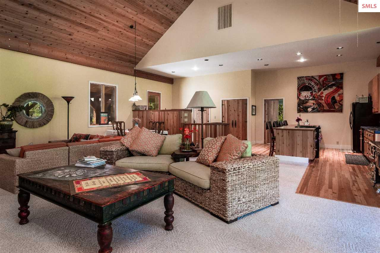 2bd/2bath home with ample living space