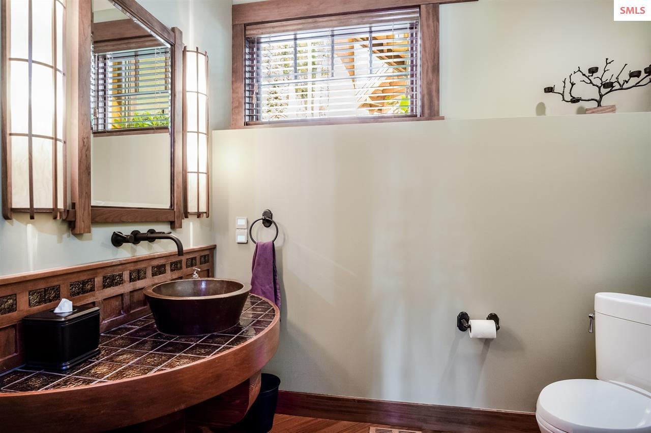 Copper vessel sink makes a design statement