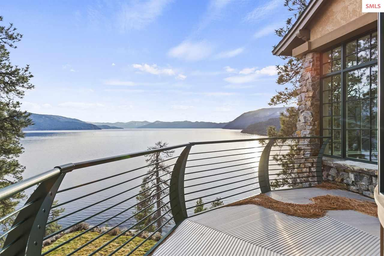 Offers a Lakeside Lookout & the Perfect Place to E