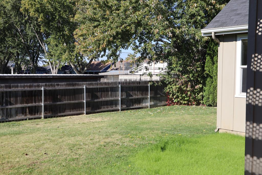 Beautiful Fully Fenced Backyard