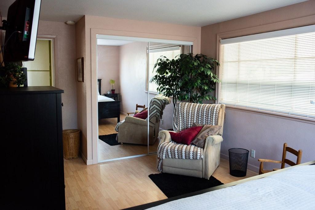 Bedroom 1 - Main Floor