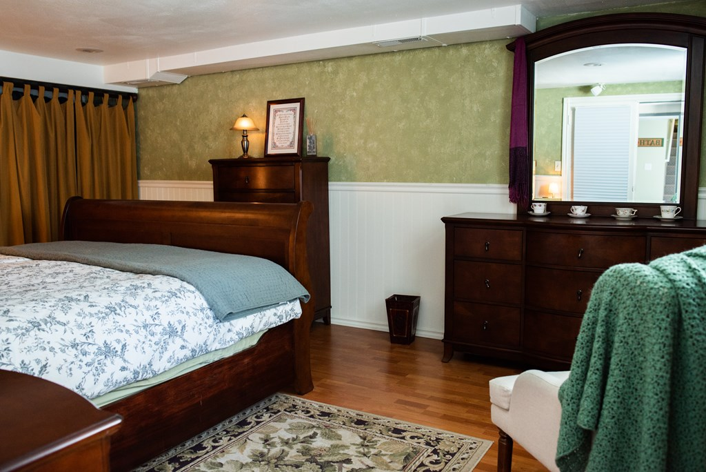 Bedroom 4 - Basement