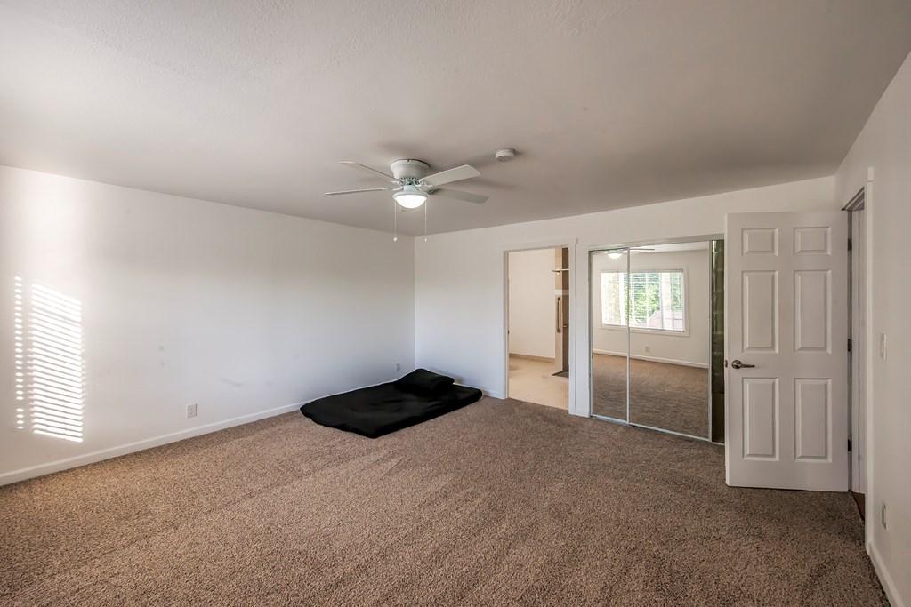 Spacious Master Suite - Main Floor