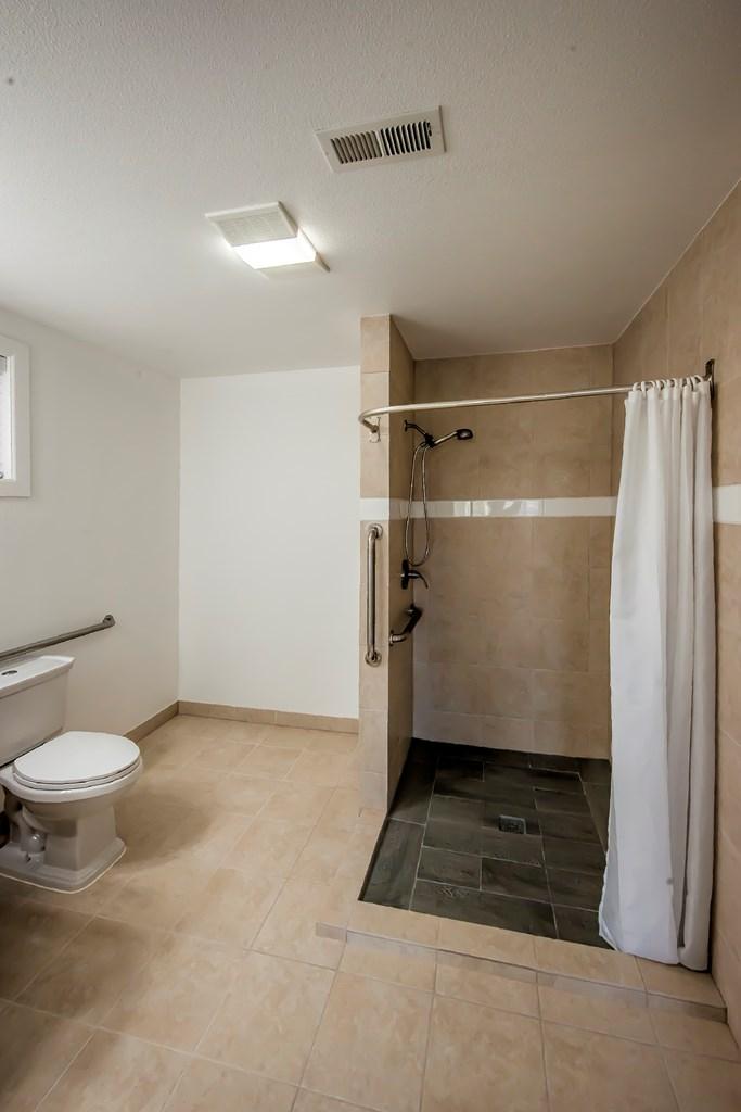 Large Master Bathroom - Main Floor
