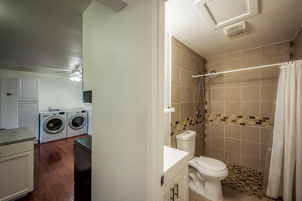 Guest Bathroom - Main Floor