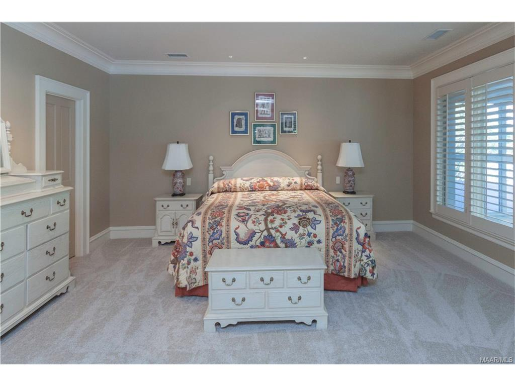 Upstairs Bedroom with Sitting area.