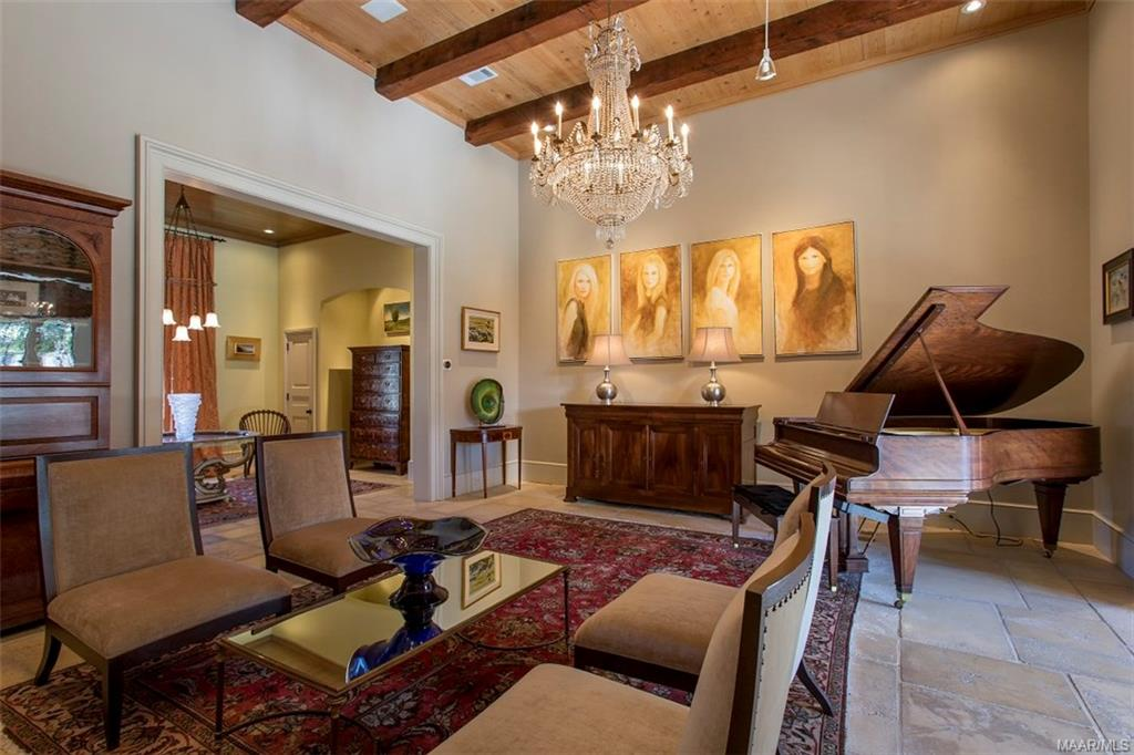 15ft Ceilings in Living Room, Dining and Gallery