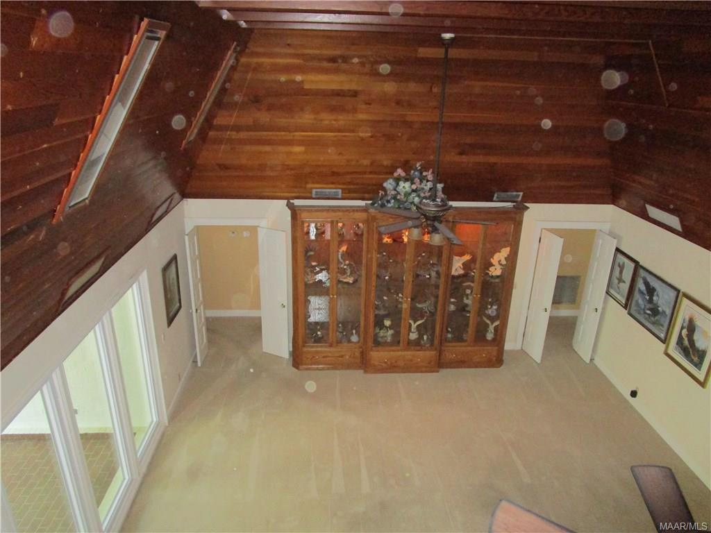 Grandroom from the loft with 16\' ceiling, built in