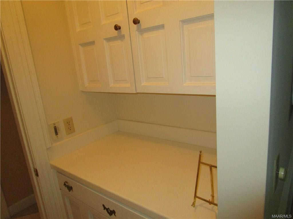 Butler pantry off dining room