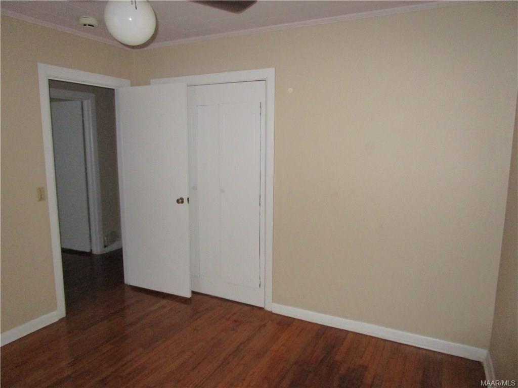 Back corner bedroom