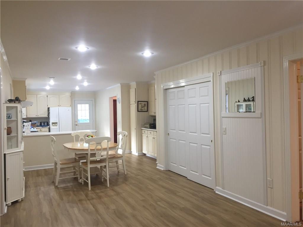 Open Floor Plan. Double closet is pantry.