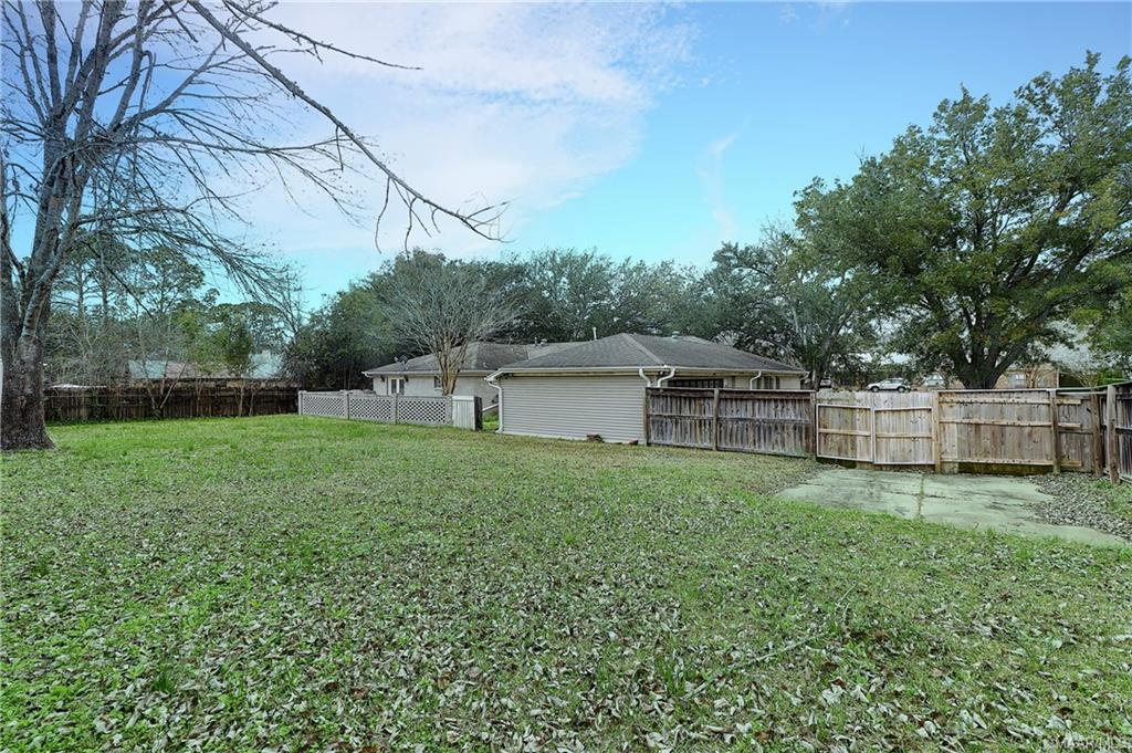 Private back yard, approx 3/4 acre lot