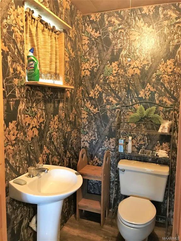 Half Bath Cabin 1